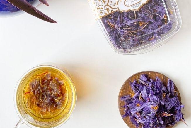 Saffron flower tea